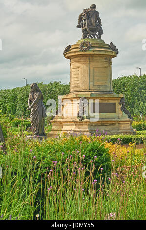Statue of Lady Macbeth and William Shakespeare, part of the Gower Memorial statue in Bancroft Gardens Stratford - Stock Image