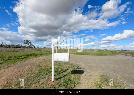 Isolated rural letterbox along the Carnarvon Highway, Queensland Interior, QLD, Australia - Stock Image