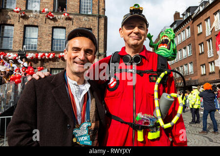 Düsseldorf, Germany. 4 March 2019. L-R: Thomas Geisel, mayor of Düsseldorf, and Jacques Tilly, German float designer. The annual Rosenmontag (Rose Monday or Shrove Monday) carnival parade takes place in Düsseldorf. - Stock Image