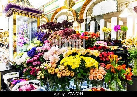 Florist display, Floral display, flower display, flower shop display, flowers, flower store display, display of flowers, flower shop, flower store, UK - Stock Image