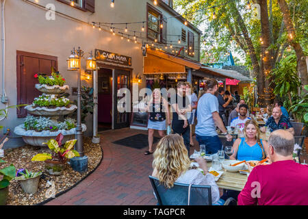 Outdoor restaurant in Historic old section of St Augustine Florida Americas oldest city - Stock Image