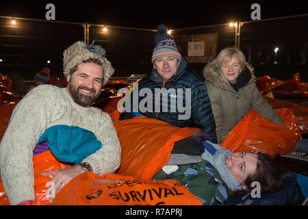 Aberdeen, UK. 8th Dec 2018. Sleep in the Park . Aberdeen, UK. 8th Dec 2018. City Councellors:John Wheeler, Douglans Lumsden, Jenny Laing and Sarah Duncan bed down fo the night in Duthie Park.  Credit Paul Glendell Credit: Paul Glendell/Alamy Live News - Stock Image