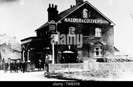 Huntsman's Hall Pub (Nalder & Collyer brewery), Worcester Park, SW London (Surrey).      Date: circa 1905 - Stock Image