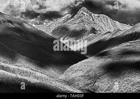 Purcell Mountains at sunrise, Radium, British Columbia, Canada - Stock Image