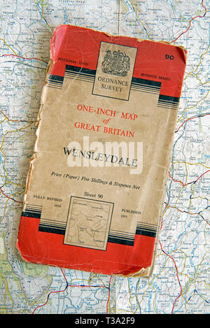 Ordnance Survey one-inch Map of Great Britain sheet 90 Wensleydale.  Price for cloth edition five shillings and sixpence net.  Published 1955 - Stock Image