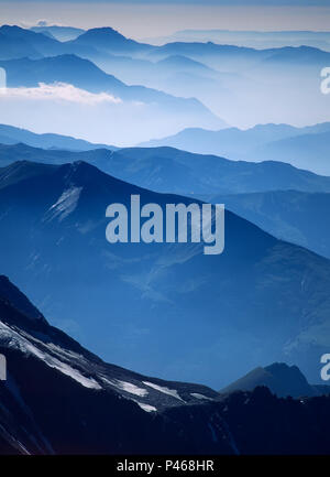 Peaks and valleys in the French Alps - Stock Image