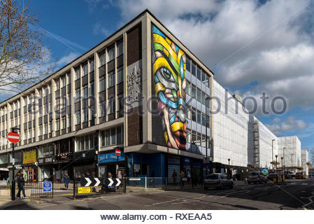 #whitesheetofdoom #demolition #croydon #queenssquare #stgeorgeswalk #architecture #london - Stock Image