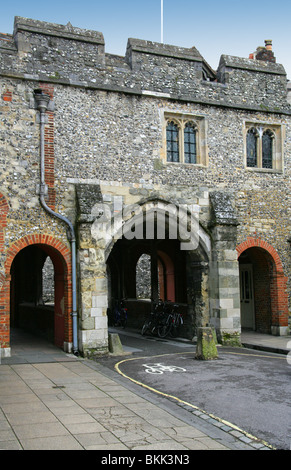 Kingsgate, and the Church of St Swithun upon Kingsgate, Winchester, Hampshire, UK - Stock Image
