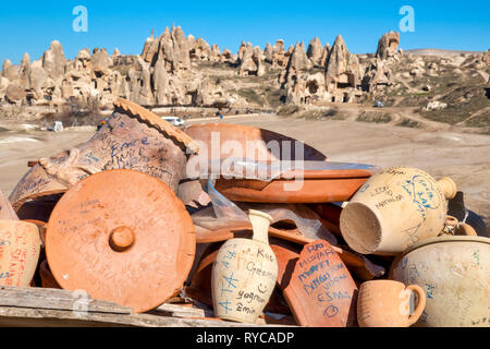 Pottery on display in Goreme, Cappadocia, Turkey - Stock Image