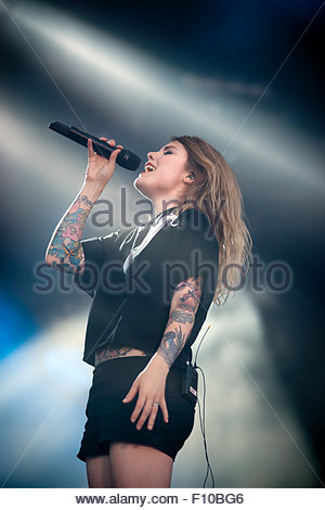Béatrice Martin singer of Cœur de pirate performing live - Stock Image