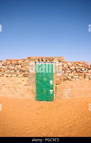 Door in desert city Chinguetti, Mauritania - Stock Image