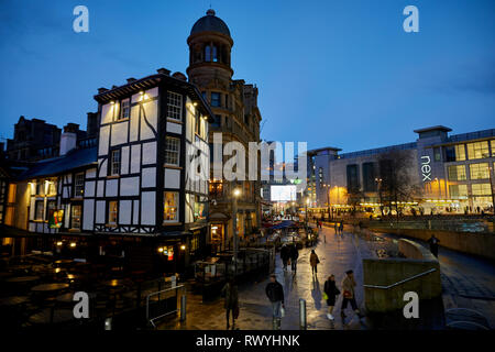 Rebuilt Old Wellington Inn and Sinclair's Oyster Bar at Exchange Square, Shambles Square,  Manchester city centre - Stock Image