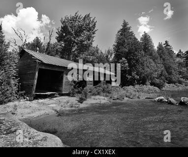 Abandoned boat house Lake Avril, Vermont USA - Stock Image