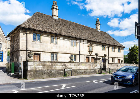 A row of four almshouses built in 1700 by John Hall, Esq to provide for 4 poor men - Stock Image