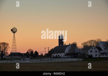 Sunset at a local farm. Pennsylvania Dutch Country, New Holland, Lancaster County - Stock Image