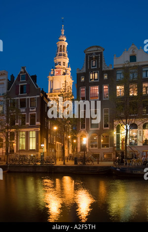 Amsterdam Kloveniersburgwall canal Zuiderkerk at night - Stock Image