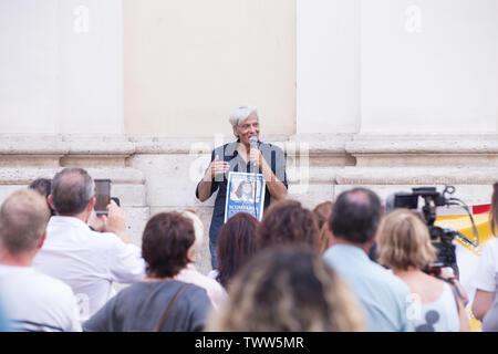 Rome, Italy. 22nd June, 2019. Pietro Orlandi Flashmob in front of the basilica of S. Apollinare in Rome to remember Emanuela Orlandi Credit: Matteo Nardone/Pacific Press/Alamy Live News - Stock Image