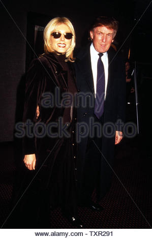 Marla Maples And Donald Trump At The Preimere Of 'In Love And War' At The Cinema 1 New York City 01-22-1997. Credit: 3765567Globe Photos/MediaPunch - Stock Image