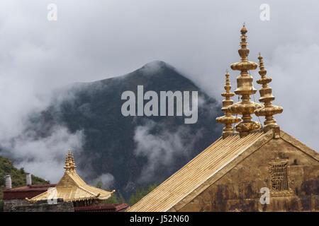 Golden roof and pinnacles of Ganden Monastery, Lhasa, Tibet, shot in 2007 - Stock Image