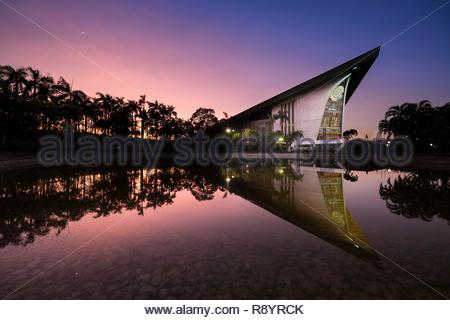 Papua-New-Guinea, Gulf Papua area, National Capital District area, Port Moresby town, national Parliament built like spirits houses of Maprik area, launched by Prince Charles (1984) - Stock Image