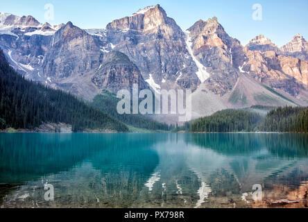 Moraine Lake, Banff, Alberta, Canada - Stock Image