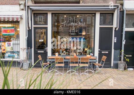Exterior of Hartje Oost Koffieboetiek in the Javastraat in Amsterdam, The Netherlands - Stock Image
