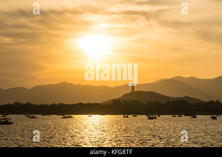 Beijing summer palace at sunset - Stock Image