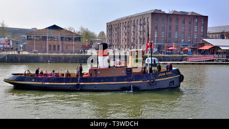 Bristol historic John King diesel tug boat built in 1935 to tow cargo ships from city docks to river Avon, now taking visitors on harbour tour - Stock Image