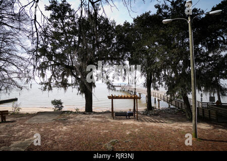 Public park overlooking Mobile Bay at Daphne, Alabma, USA - Stock Image
