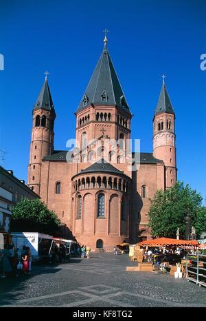 Valley Of The Rhine Mainz Market - Stock Image