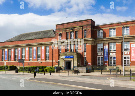 Bury College, Woodbury Centre building on Market Street, Bury Greater Manchester. The former Bury technical college building dates from the 1940s. - Stock Image