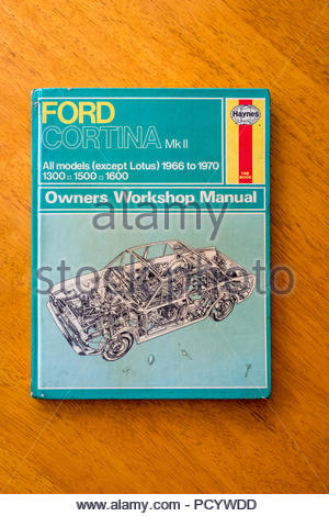 Haynes Owners Workshop Manual for Ford Cortina MK II - Stock Image