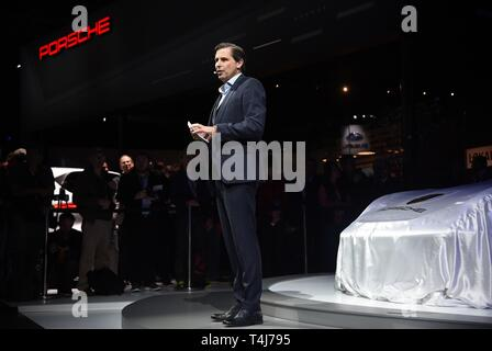 New York, NY, USA. 17th Apr, 2019. Klaus Zellmer in attendance for New York International Auto Show - WED, Jacob K. Javits Convention Center, New York, NY April 17, 2019. Credit: Kristin Callahan/Everett Collection/Alamy Live News - Stock Image