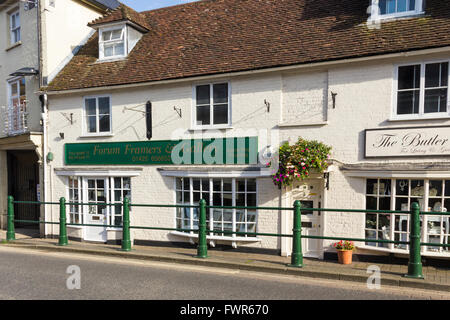 Forum Framers and Gallery on High Street in the small town of Fordingbridge, Hampshire. - Stock Image