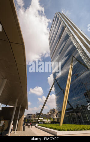 """Allianz Tower, AKA """"The Dritto"""" skycraper high-rise building, designed in the CityLife district. Milan, Italy, by Japanese iarchitect Arata Isozak - Stock Image"""