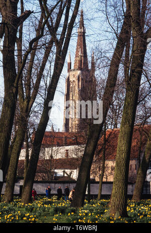 Bruges Belgium. 2000 Bruges, Flemish: Brugge; German: Brügge is the capital and largest city of the province of West Flanders in the Flemish Region of Belgium, in the northwest of the country.  The area of the whole city amounts to more than 13,840 hectares (138.4 sq km; 53.44 sq miles), including 1,075 hectares off the coast, at Zeebrugge (from Brugge aan zee,[2] meaning 'Bruges by the Sea').[3] The historic city centre is a prominent World Heritage Site of UNESCO. - Stock Image
