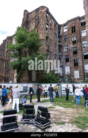 Warsaw, Poland, 25th Aug, 2018: The nine-day 15th Jewish Culture Festival 'Singer's Warsaw' takes place in the Polish capital. The first day of this event was dedicated to Wladyslaw Szlengel, the poet of the Warsaw Ghetto and Walicow Street in the former Ghetto area. Credit: dario photography/Alamy Live News. - Stock Image
