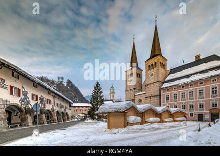 Collegiate Church of St Peter and John the Baptist, Schlossplatz square, Berchtesgaden, Bavaria, Germany - Stock Image