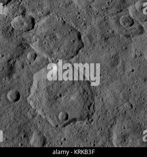 PIA19908-Ceres-DwarfPlanet-Dawn-3rdMapOrbit-HAMO-image30-20150909 - Stock Image