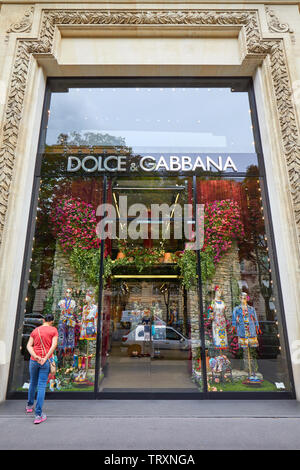 PARIS, FRANCE - JULY 22, 2017: Dolce and Gabbana fashion luxury store in avenue Montaigne in Paris, France. - Stock Image