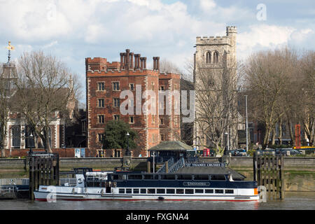 Lambeth Palace residence of the Archbishop of Canterbury on the river Thames in London. - Stock Image
