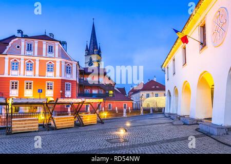 Sibiu, Romania - Lesser Square and Liars Bridge in Transylvania saxon city. - Stock Image