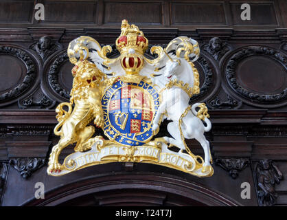 The Royal Arms and the Lion and Unicorn at St Mary Abchurch, Abchurch Lane, London, EC4, UK - Stock Image