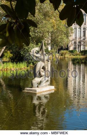 sculpture in the lake in the Park Dom Carlos 1, Caldas da Rainha Portugal - Stock Image