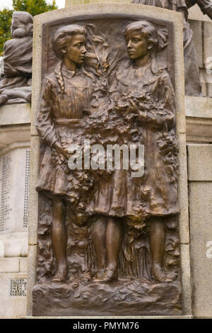 Liverpool Wirral Port Sunlight Village WWI WWII first second world war monument war memorial staff employees killed died sacrificed lives bronze - Stock Image