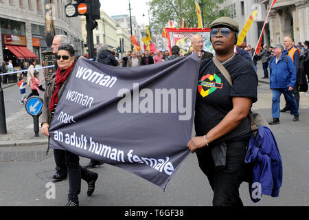 London, UK. 1st May, 2019. Mayday rally in Trafalgar Square. Credit: JOHNNY ARMSTEAD/Alamy Live News - Stock Image