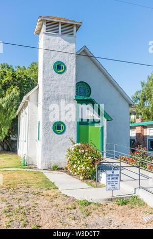 Exterior of the Cottonwood Community Fellowship Church in Los Alamos, California. - Stock Image