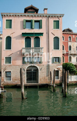 Traditional building house palazzo near Rialto on the Grand Canal Venice Italy - Stock Image
