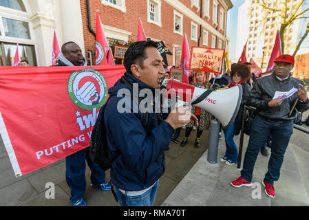 London, UK. 14th February 2019. IWGB President Henry Chango Lopez speaks at the launch by the IWGB union and students of their campaign for Goldmsiths, University of London, to directly employ its security officers. Currently they are employed by CIS Security Ltd on low pay and minimal conditions of service, and CIS routinely flouts its legal responsibilities on statutory sick pay and holidays. Credit: Peter Marshall/Alamy Live News - Stock Image