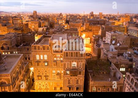 Dusk view of the cityscape of Sana'a, Yemen - Stock Image